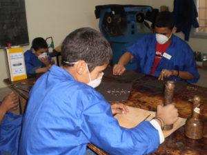 Berufsausbildung (hier: Lederverarbeitung)
